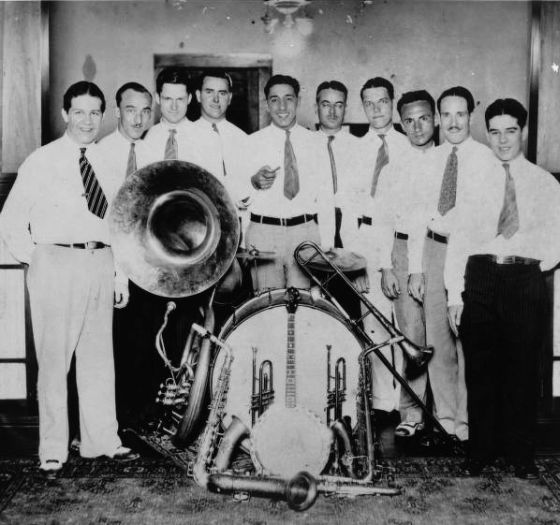 Louis Prima His New Orleans Gang Sing Sing Sing With