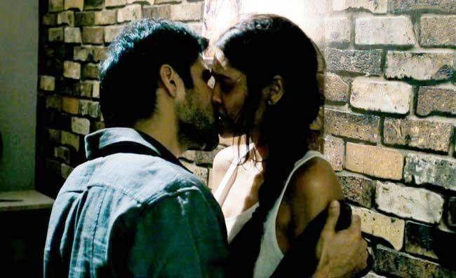 Kya Raaz Hai Full Hindi Lyrics Mp3 Download Raaz 3 Movie 3 Movie Movies Emraan Hashmi Kiss