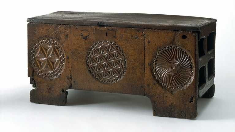 The History Of Wooden Chests And Storage Boxes Medieval Furniture Medieval Casket