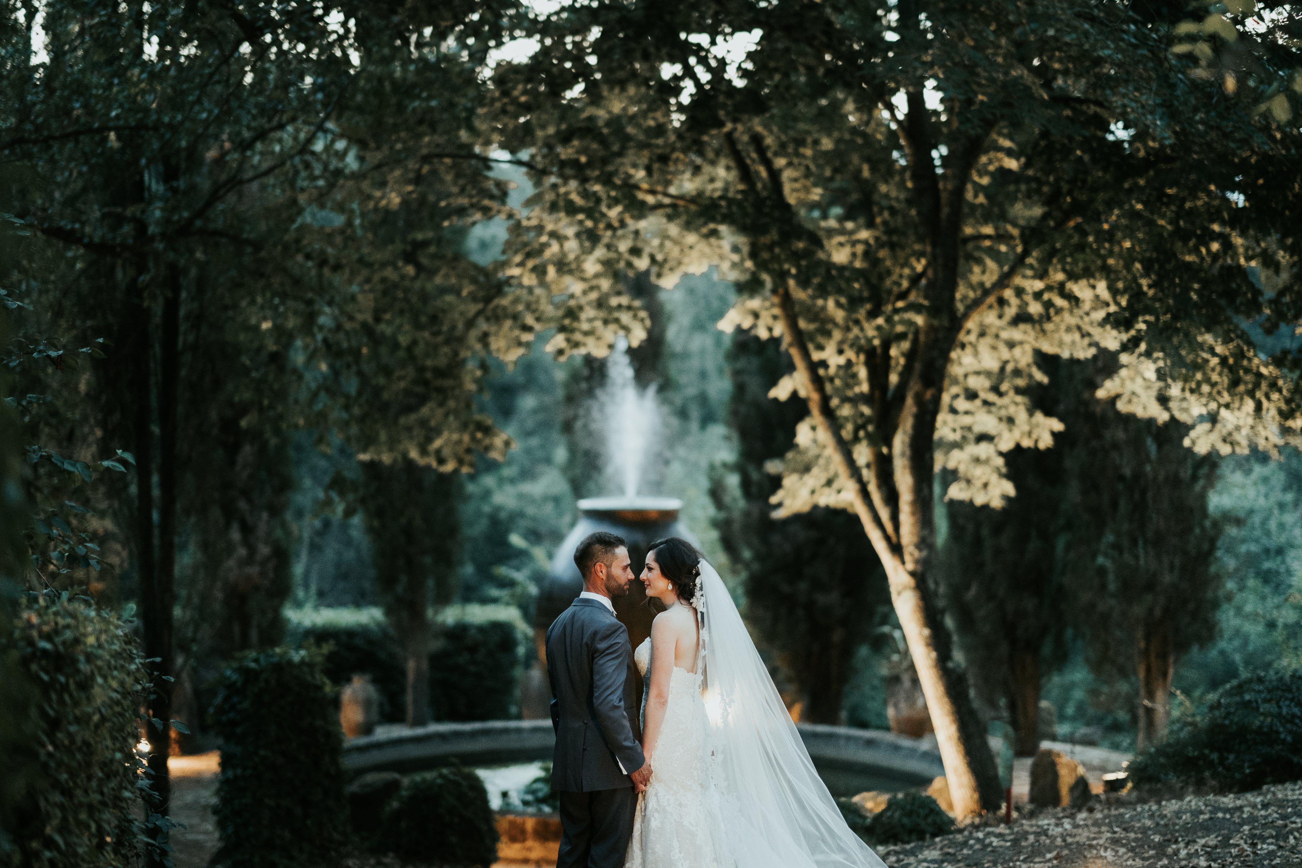 Matrimonio A Roma Le 7 Fonti Location Le 7 Fonti Sposo Gennaro Sposa Monica Fotografo Emiliano Allegrezza Www Emi Real Weddings Wedding Wedding Dresses