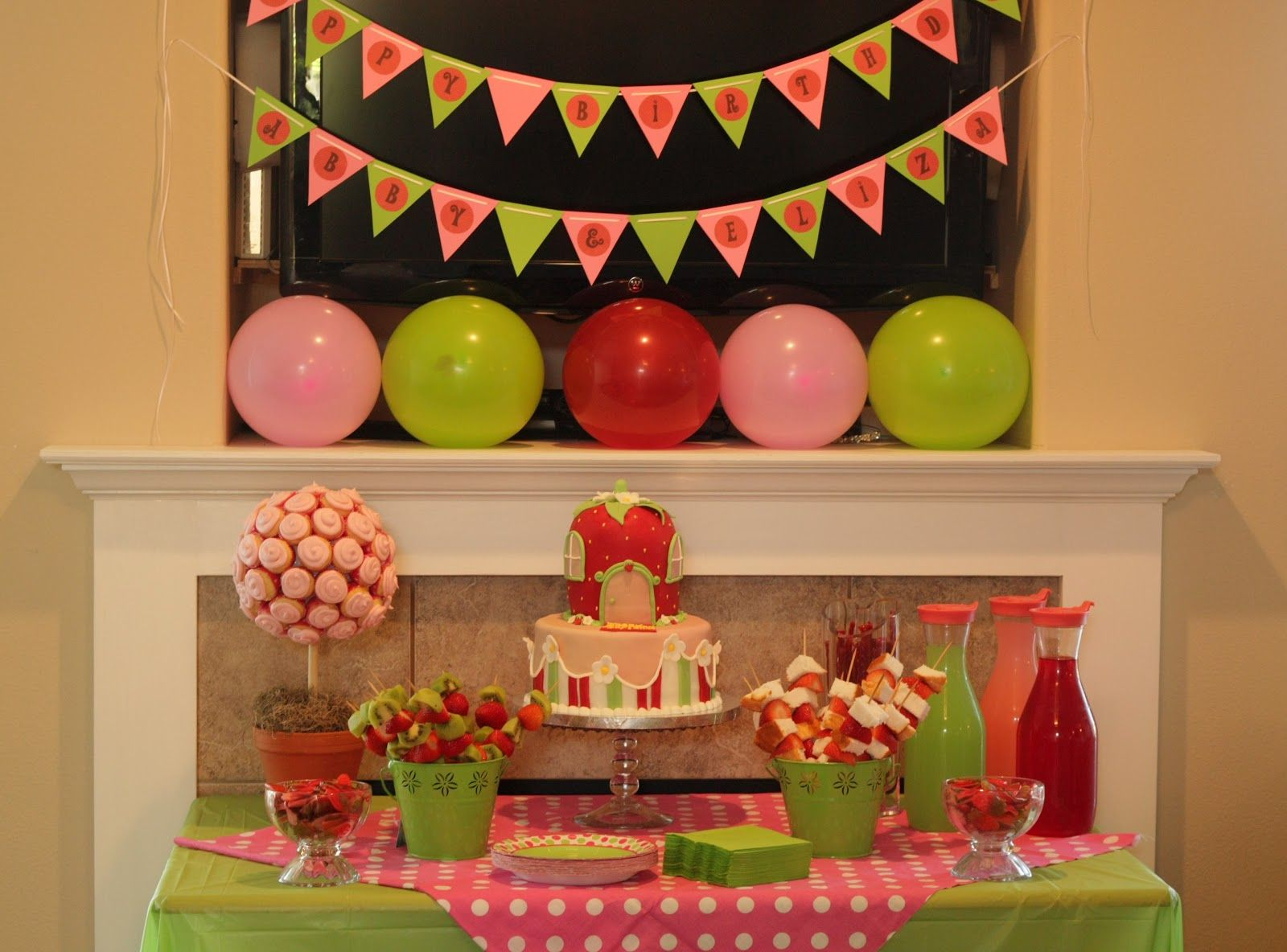 124 best Strawberry shortcake party images on Pinterest   Birthday ...
