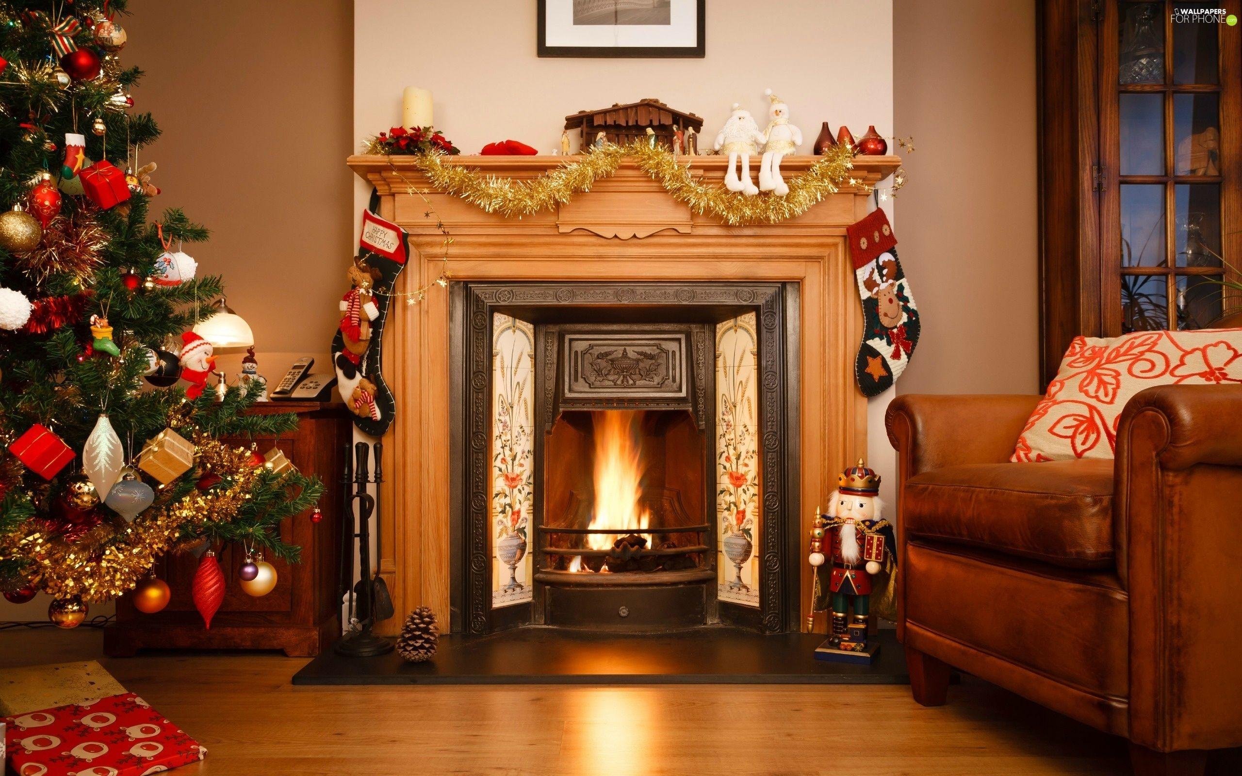 Christmas house decorations inside xmas holiday decor fireplace mantels also pin by jen hartnett on fireplaces pinterest rh