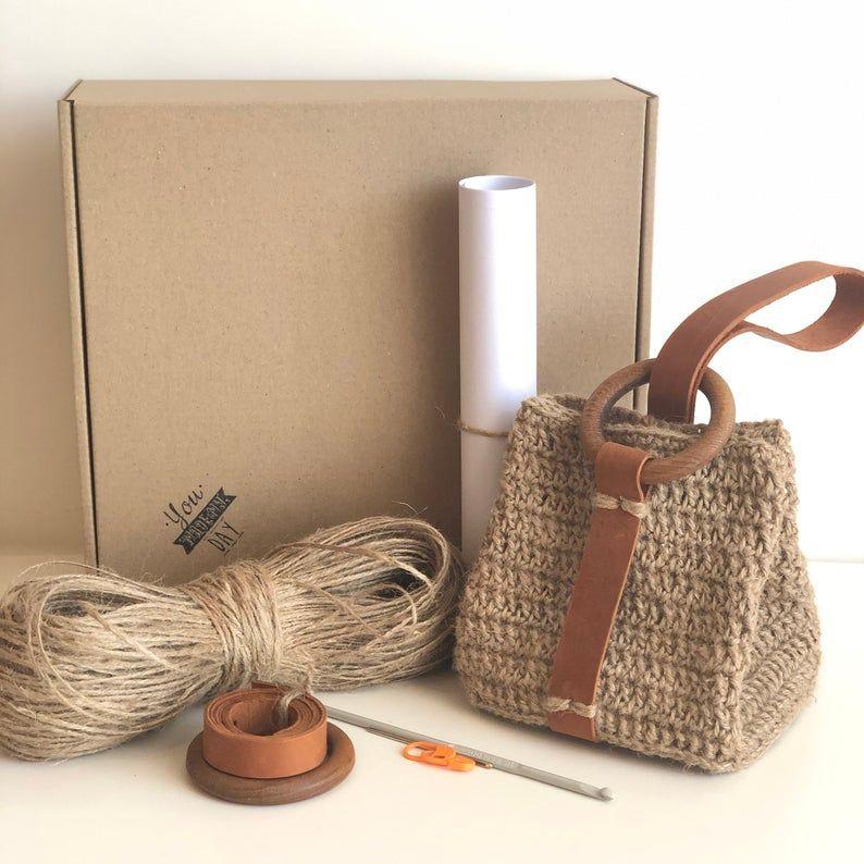 Mini yute wristlet bag – Kit de ganchillo con patrón de impresión