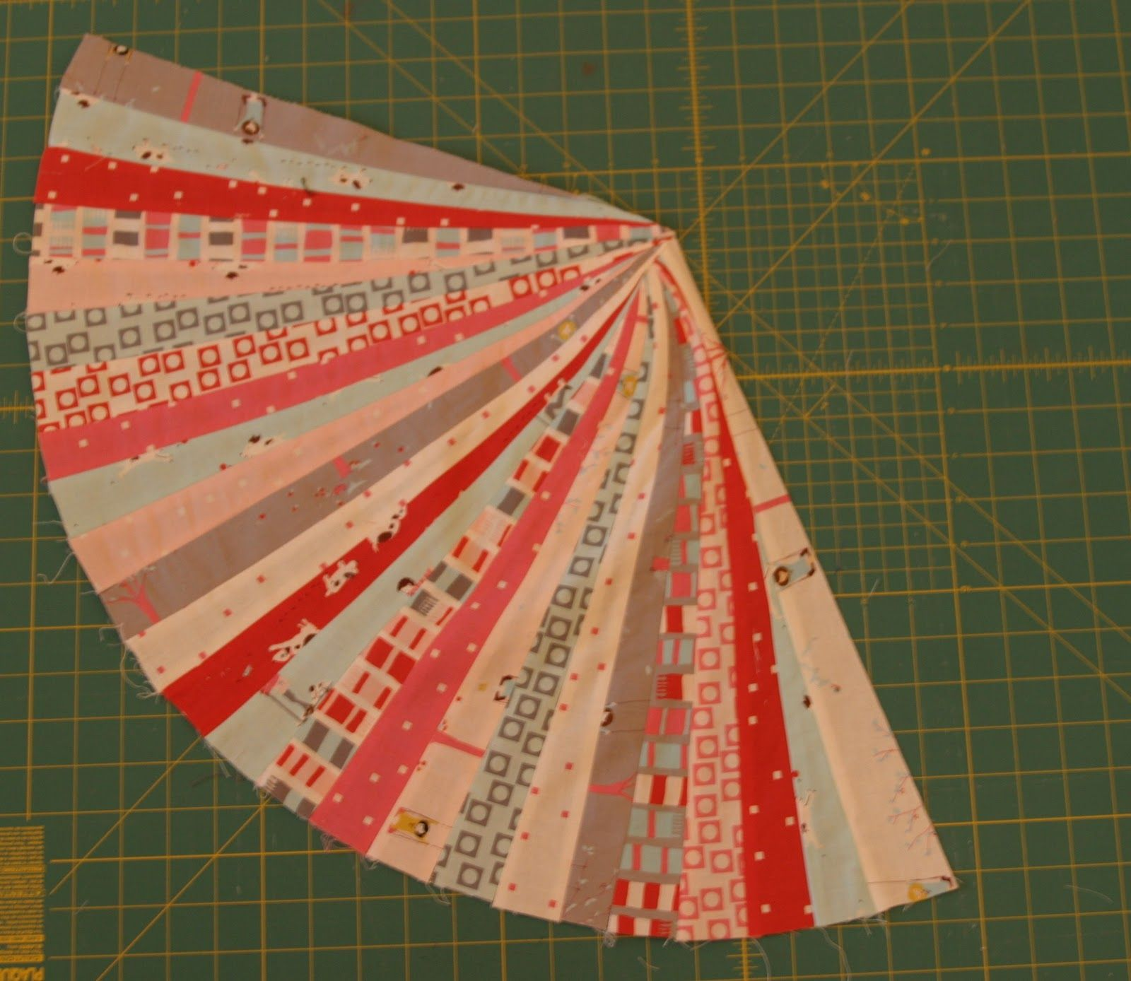 Jelly Roll Floor Pillows « Moda Bake Shop   Sewing   Pinterest ...