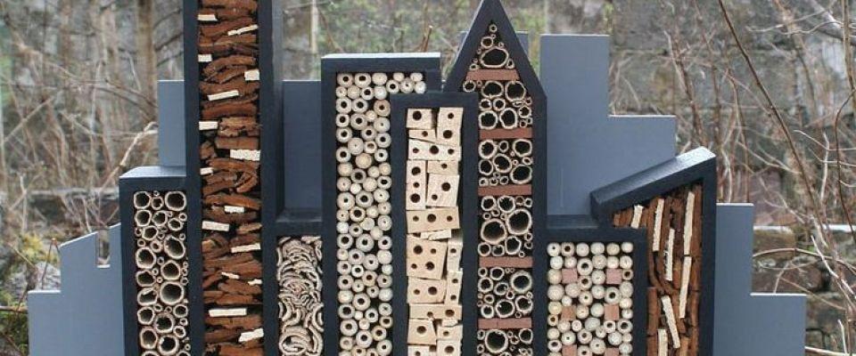 les conseils indispensables pour construire un h tel insectes dans votre jardin jardin. Black Bedroom Furniture Sets. Home Design Ideas