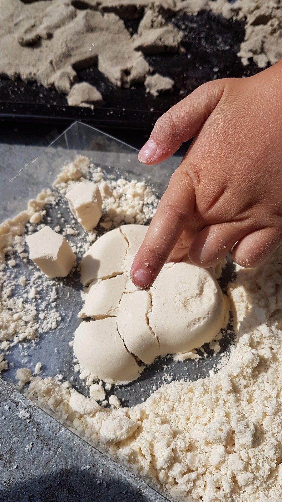 Mondsand DIY Anleitung: Zaubersand für Kinder & Kleinkinder selber machen #moon