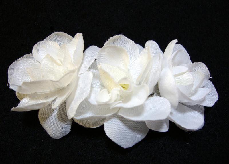Hairflowers Net Three White Gardenias Flower Hair Clip 6 99 Http Www Hairflowers Net Hair Flowers Three White Gardenias Flower Hair Clip Flower Hair Clips