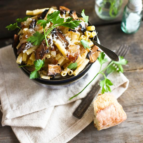 Ziti with portobello mushrooms caramelized onions and goat cheese recipes forumfinder Choice Image