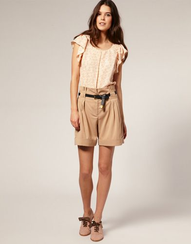 3b263e3a56 high waisted tailored shorts | Style Inspiration | Tailored shorts ...