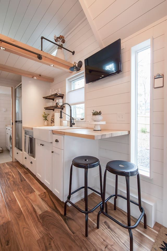 Unique Modern Tiny House 2br 1ba Tiny Houses For Rent In