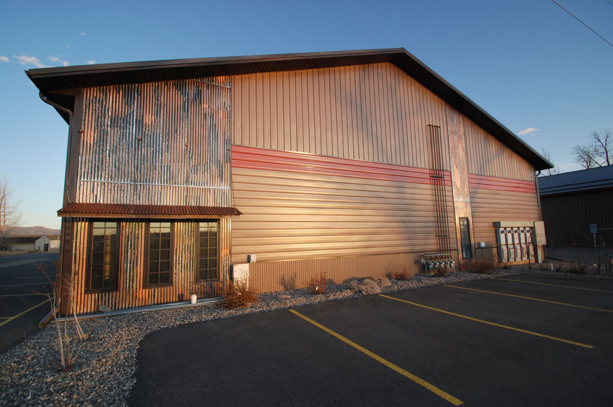 952 2 12 Corrugated Accent 2000x1328 Jpg 2000 1328 Metal Roof Corrugated Metal Siding Metal Buildings