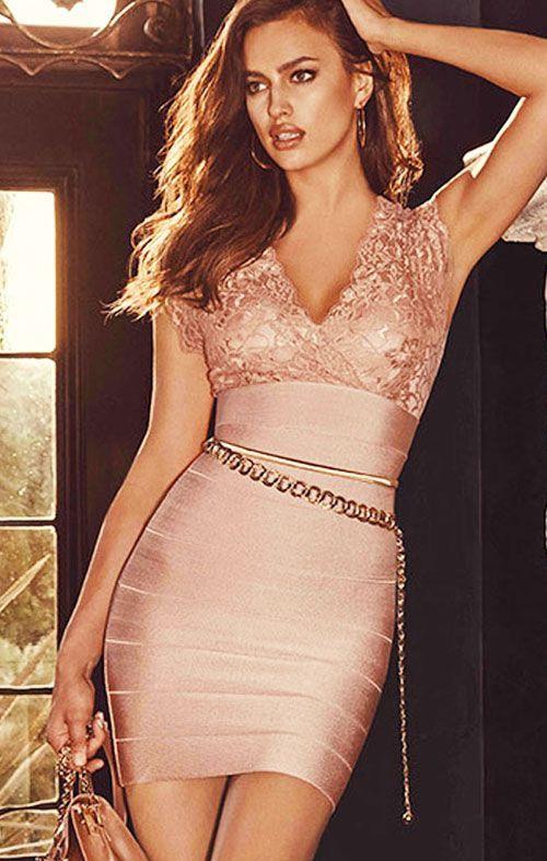 9fc62ce209 Vestido Bandage de fiesta en rosa pastel con encaje en el pecho ...
