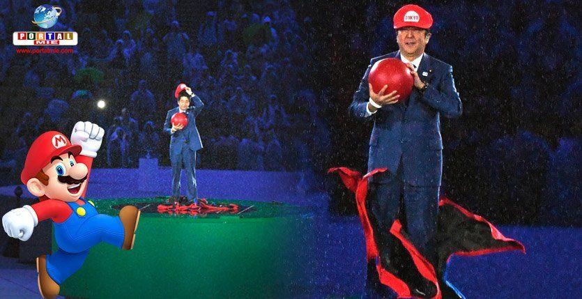 """Assista ao vídeo que foi passado no encerramento, mostrando o Super Mario descendo pelo cano no Japão e aparecendo """"Abe Mario"""" que bombou no Twitter."""