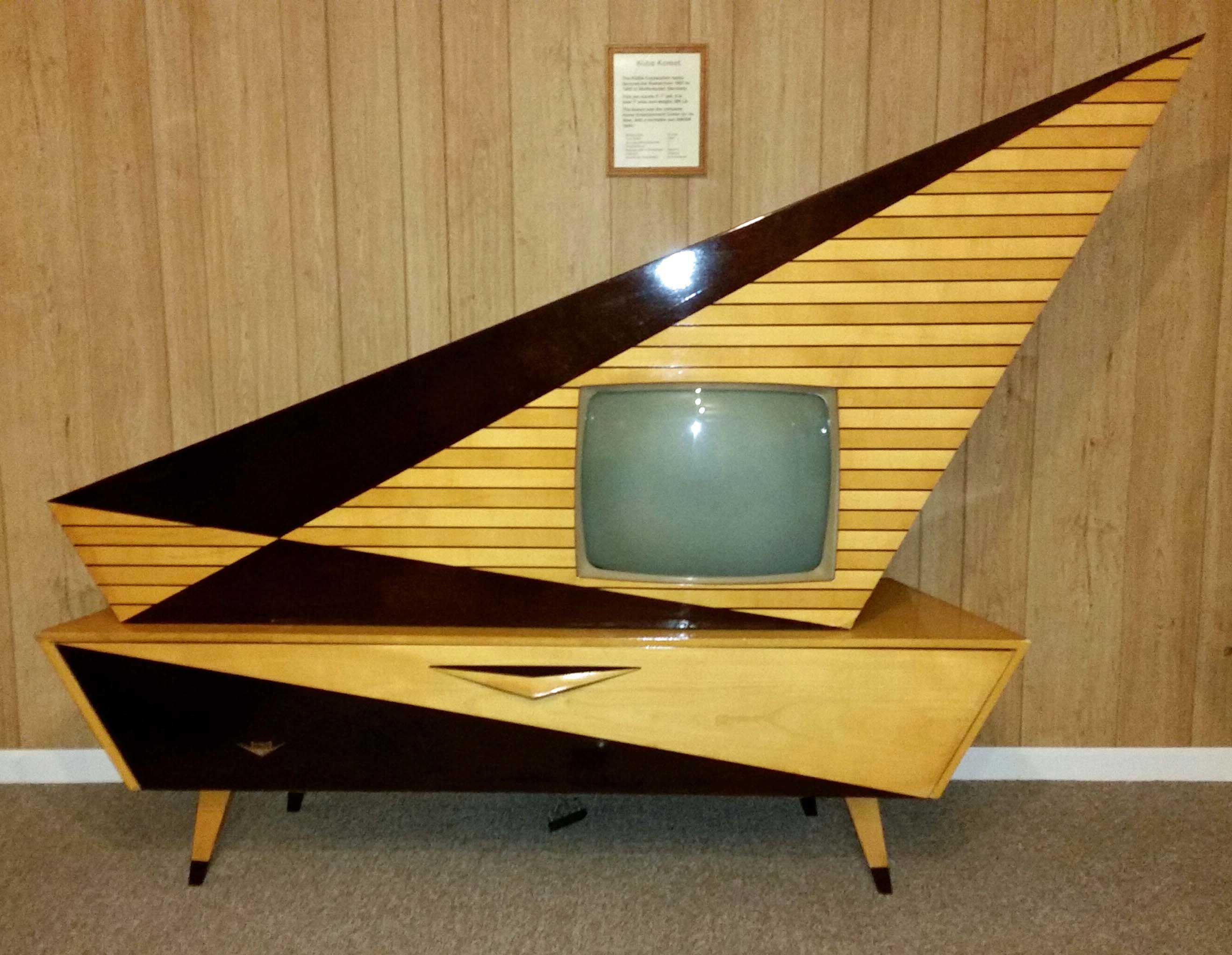 Image Result For Kuba Comet Television This Exists Pinterest  # Meuble Tv Techno