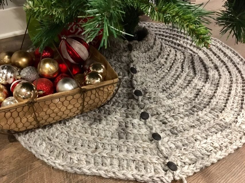 Farmhouse Christmas Tree Skirt Super Chunky Crochet