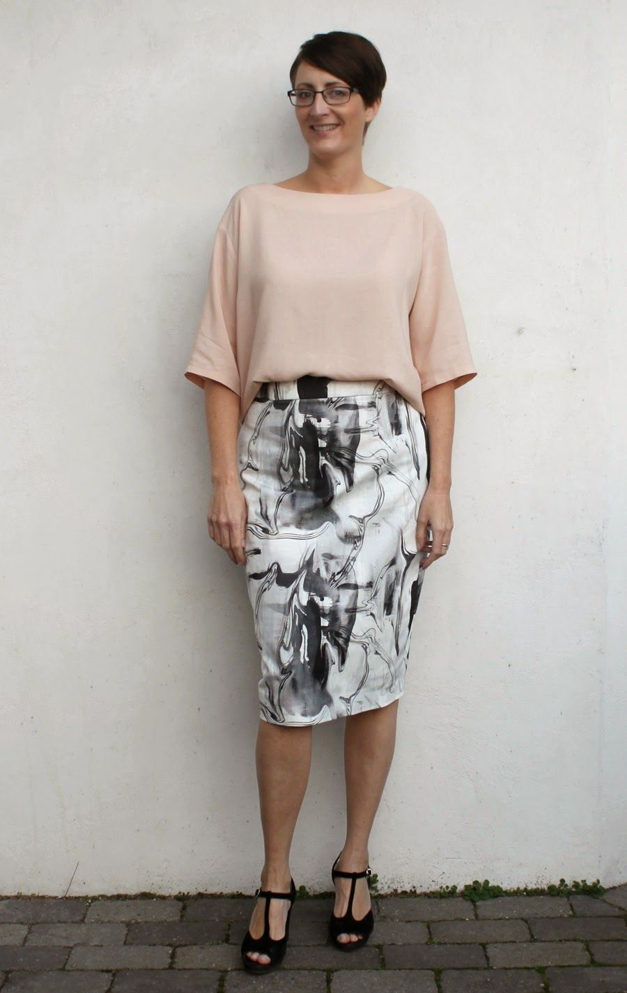 Groovybaby....and mama: Pleated Pencil Skirts (and the top that doesn't need further introduction)
