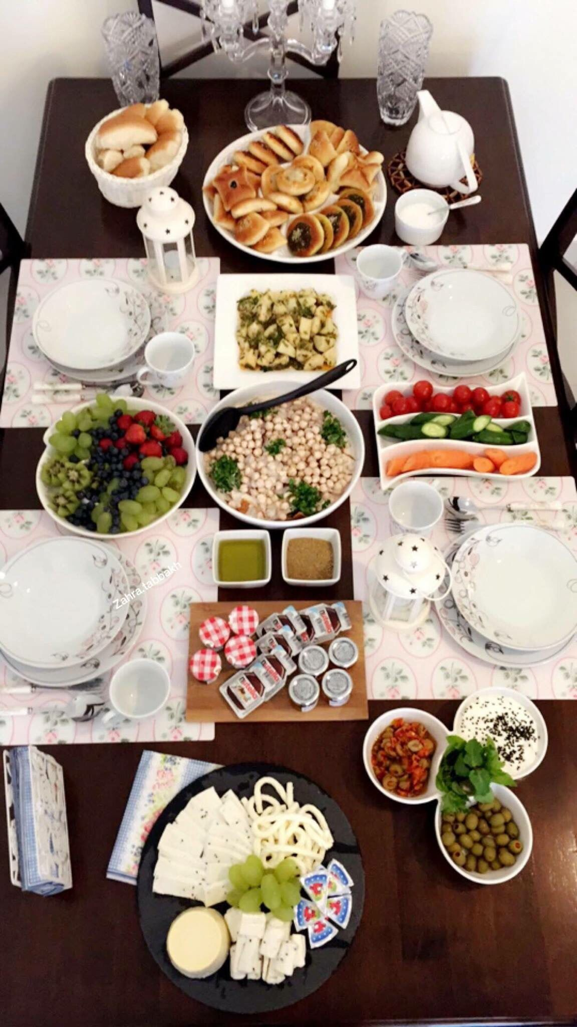 Homedecor ترتيب افكار ترتيب ترتيب طعام ديكور طاولات سفرة طعام أكلات طبخات تزيين طاولات تزيين Tablesettings Food Food Photography Table Setting Decor