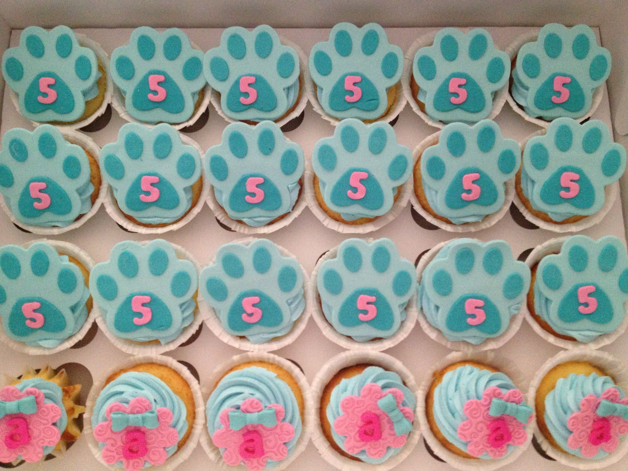 Blue\'s Clues Cupcakes | Blues Clues party | Pinterest