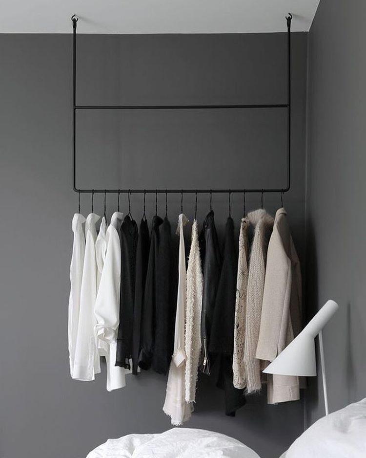 Wardrobe interiors closet vanity schlafzimmer for Minimalistischer kleiderschrank