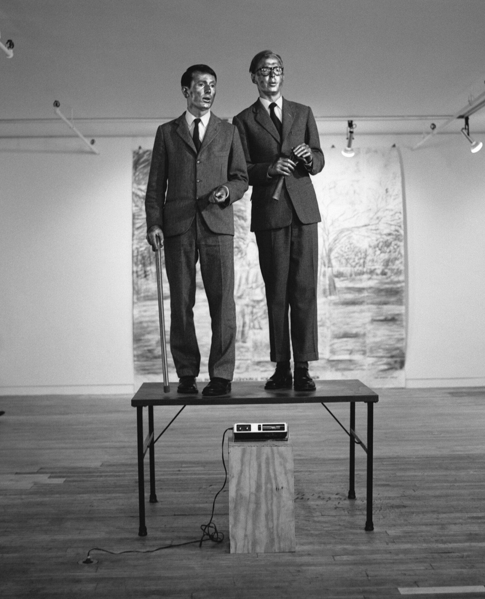Gilbert And George The Singing Sculpture 1971 Living Sculpture Presentation At The Opening Of The Sonnabend Gallery Gilbert George Performance Art George