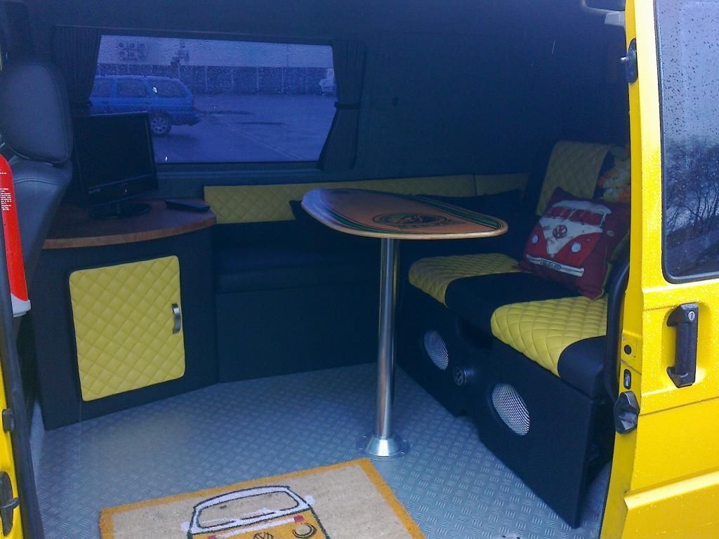 The big decision 3 4 bed or full width vw t4 forum for Vw t4 interior designs