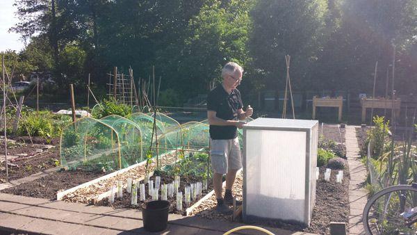 Moestuin Zelf Maken : Michel s nieuwe zelf een tuinkasje maken moestuin diy