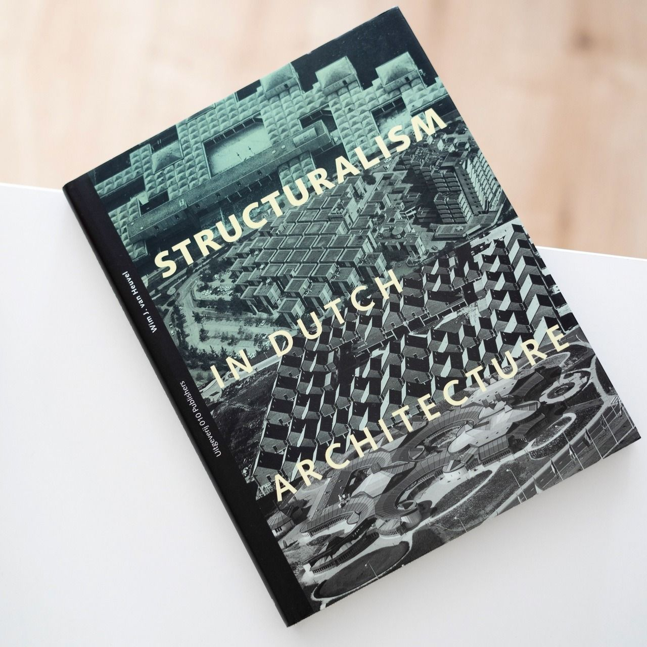 Im mildly obesessed with structuralist architecture at the moment and thus the present book was a
