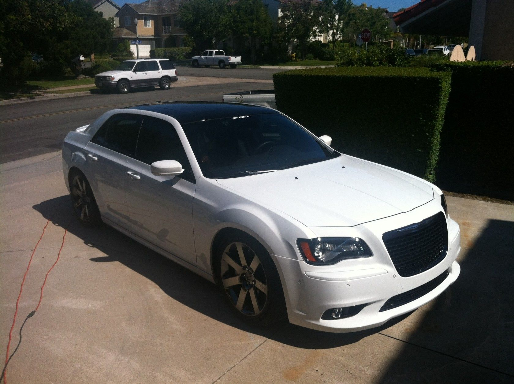 Blk Roof On White Srt8 Paint Shop Pls Chrysler 300c Forum