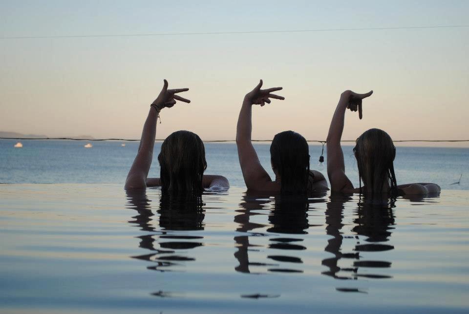 Kappa Kappa Gamma - Delta Tau - Albums - Kappa Travels - 58902_10151391110461009_290541000_n.jpg