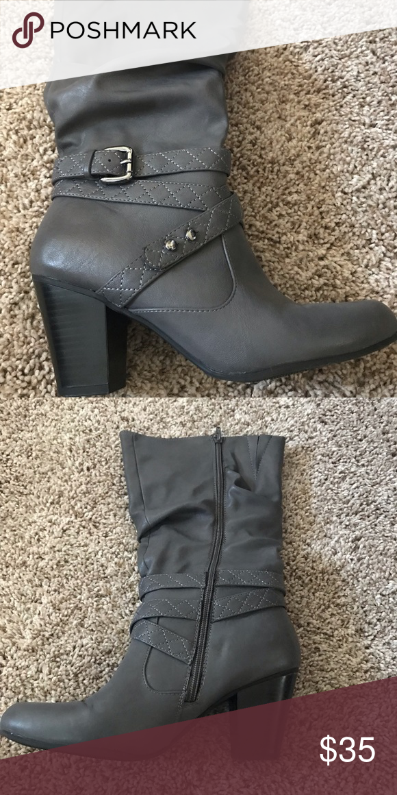 7de0589e4df Grey boots Gently used