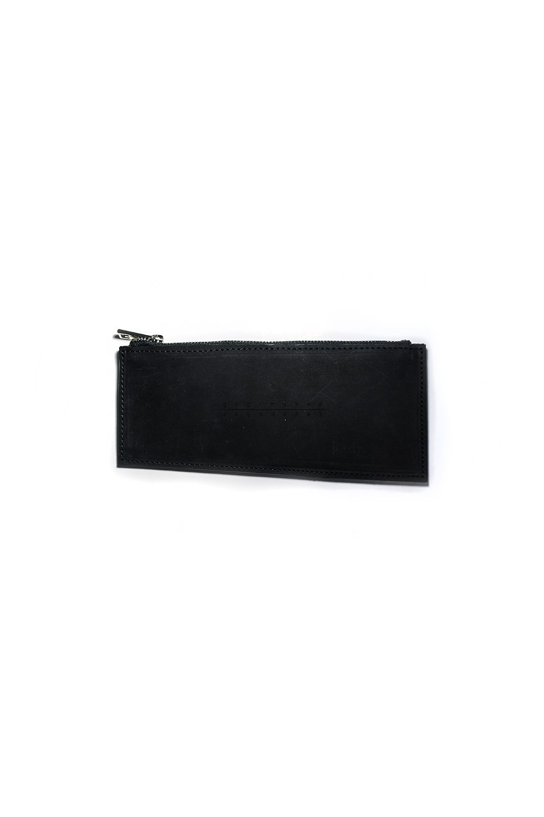 gegenüber Linie diagonal lined sub-wallet in cow leather with YKK zipper color : dull black material : 100% cow leather submaterial : YKK zipper lining : chamude measures : H 9 – 8cm  W 20cm