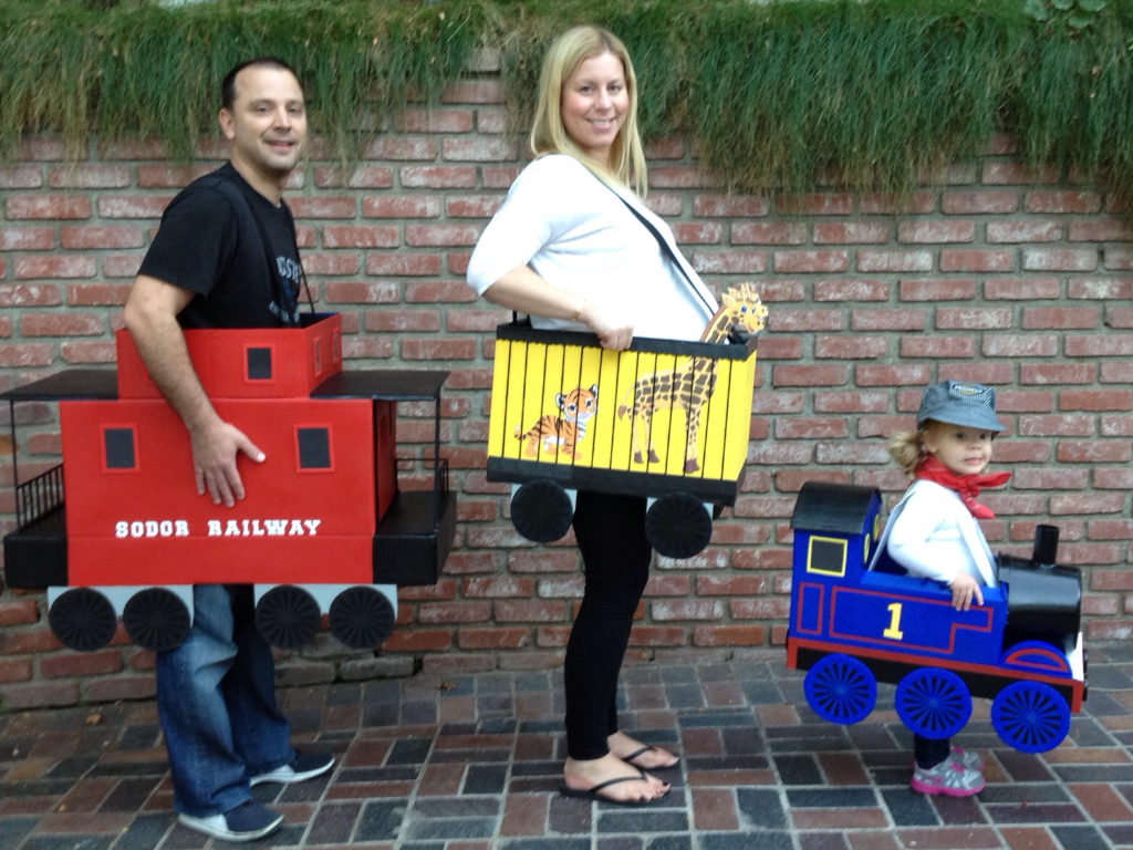 Little girl thomas the tank engine and family costumes halloween little girl thomas the tank engine and family costumes solutioingenieria Choice Image