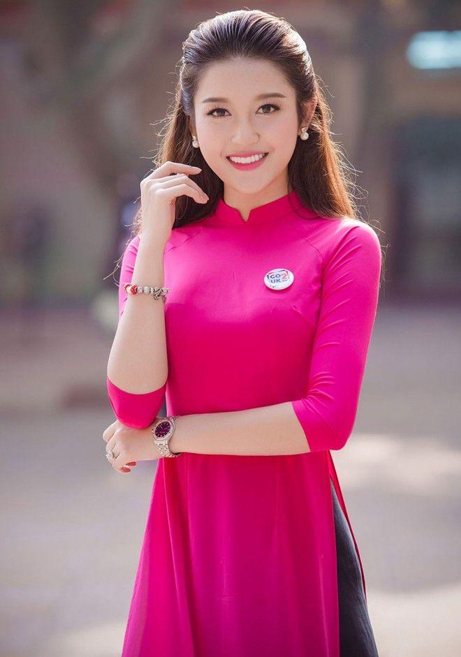 Á hậu Huyền My duyên dáng trong tà áo dài | ao dai | Pinterest