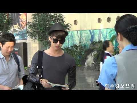 ▶ 130826 김형준 Kim Hyung Jun 김포공항 출국 - YouTube