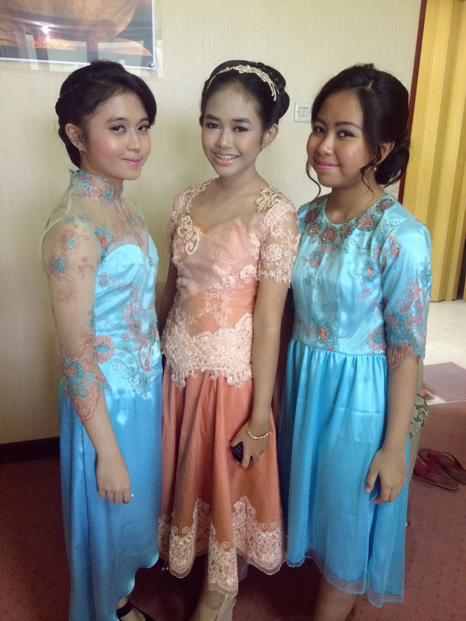 Cute dresses for wedding party #kebaya #teenagers | traditional ...