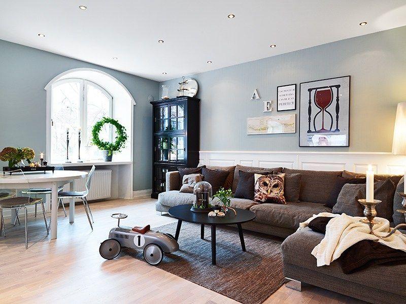 ventanas abovedadas decoración rodapies altos de madera blanca - decoracion con madera en paredes