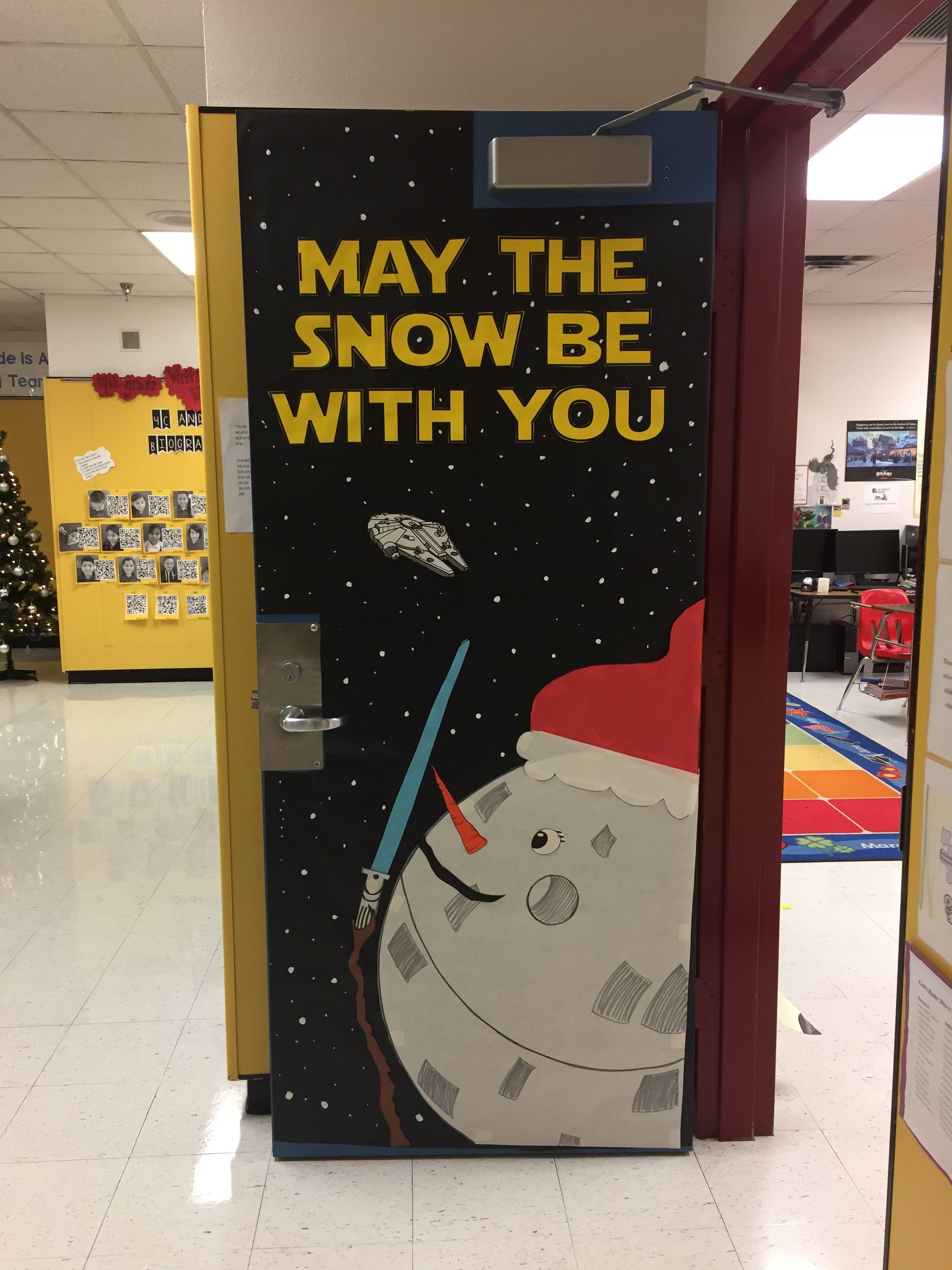 2016 17 our christmas door decoration star wars door for Decoracion de puertas para navidad
