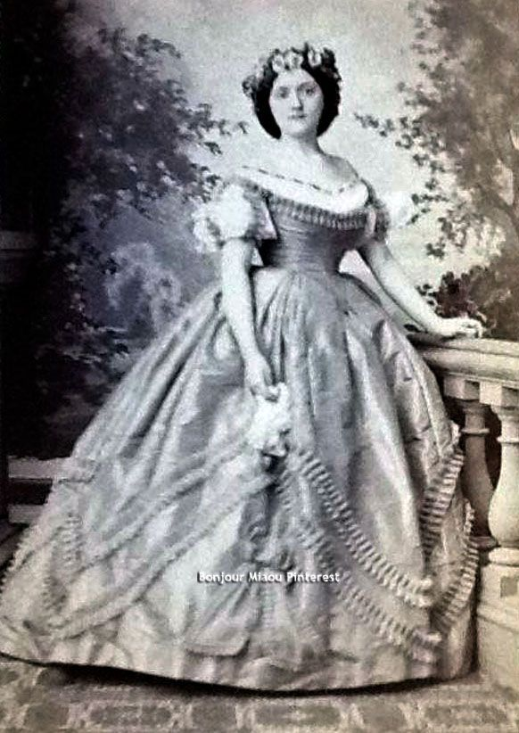 Either a Miss Hetzel or a Mrs. Pendleton. Photographed at Matthew Brady's studio in either New York or Washington.