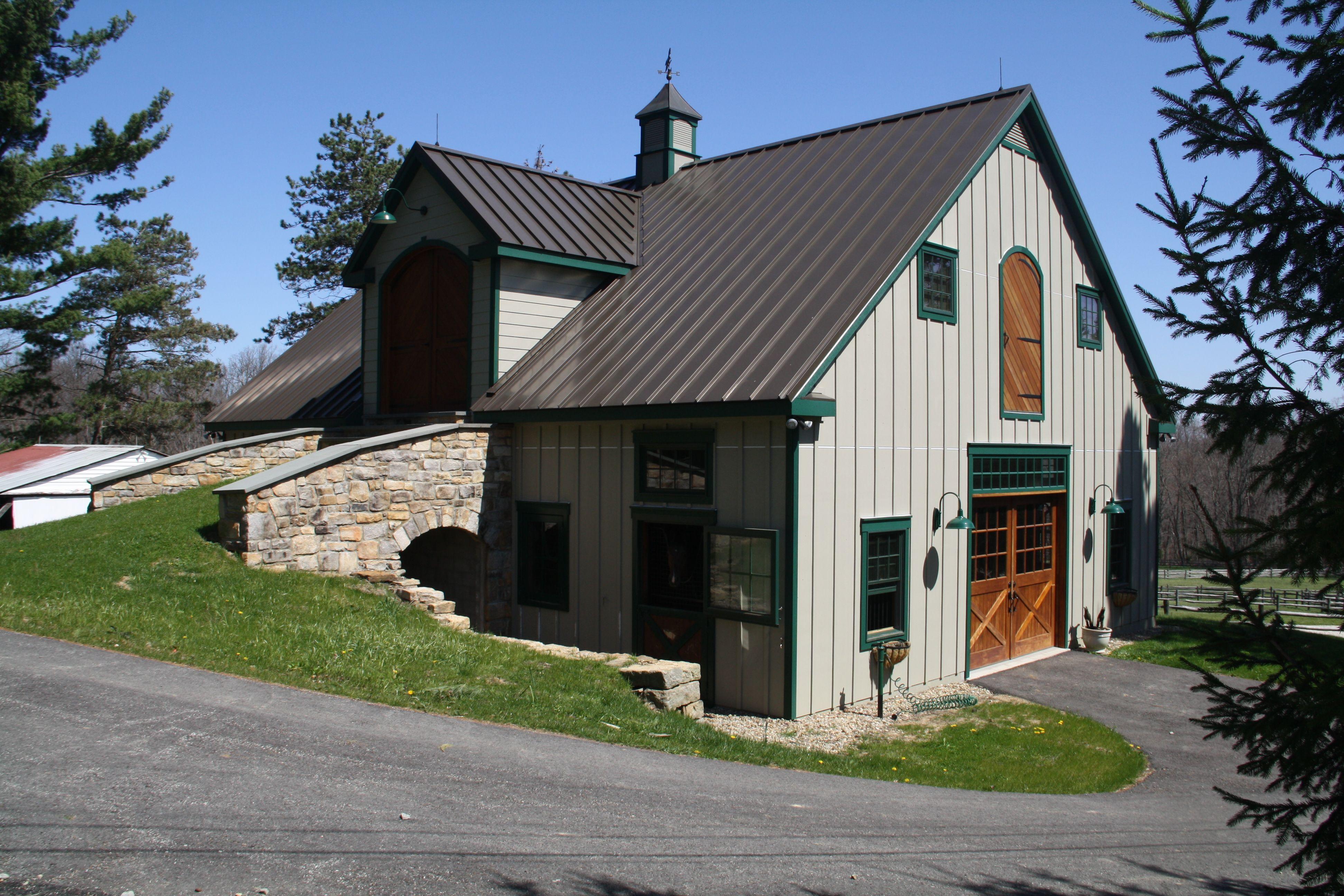Bank barn | Bank barn, Barn house plans, Barn plans