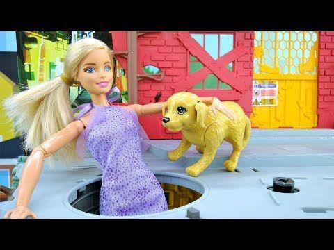 Видео про куклы. Как собака спасла Барби. Игрушки для ...