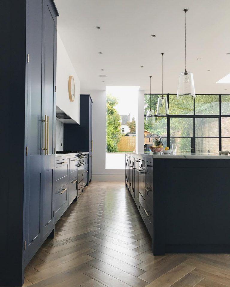 navy marble and brass kitchen decor en 2020 avec images design decoration cuisine on kitchen decor navy id=24786