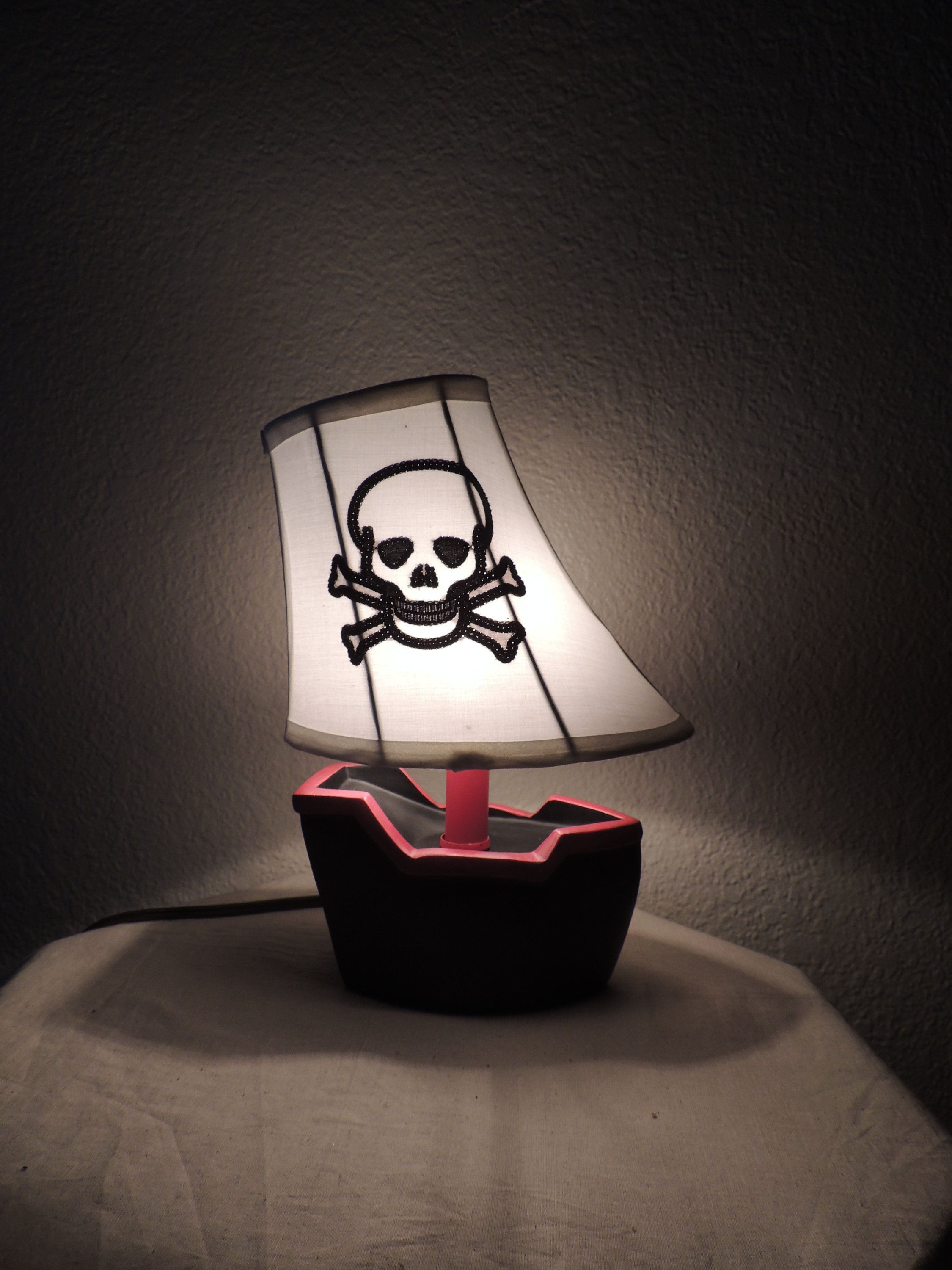 Pirate Theme Lamp Light For Kids Baby S Room Decor Pirate Ship Skull And Cross Bones Shade Red Black And Pirate Lamp Baby Room Decor Elephant Table Lamp