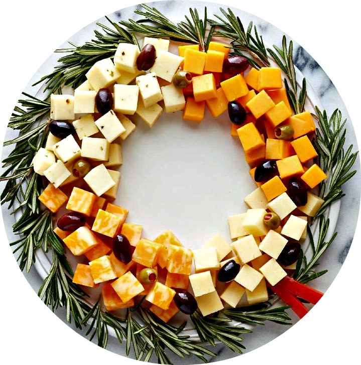 Easy Appetizer Wreath ...cheese Cubes, Assorted Olives