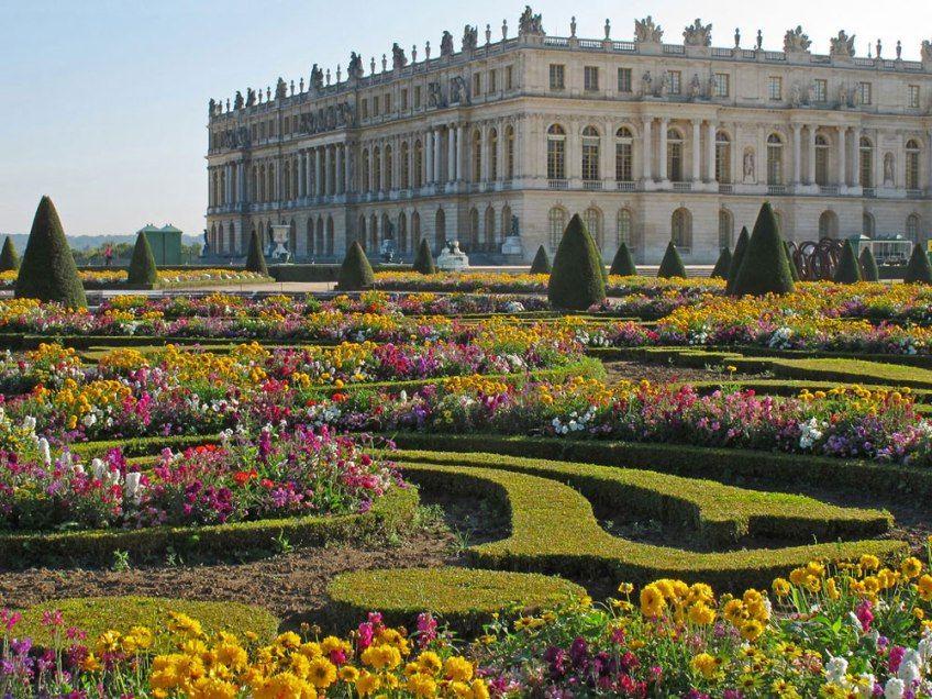 10 Beautiful Gardens You Ll Want On Your Bucket List Versailles Garden Gardens Of The World Beautiful Gardens