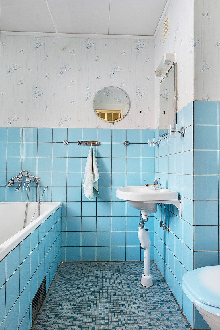 Light blue 60\'s bathroom #retro #60s #blue #lightblue #hemnet ...