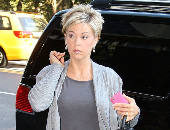 Kate Plus 8 Hairstyles Kate Gosselin In Kate Gosselin Out In New York City Kate Gosselin Hair Short Hair Pictures Hair Styles