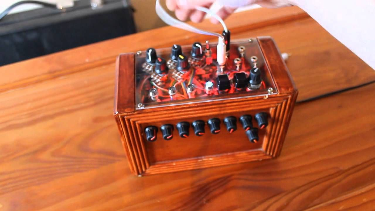 Custom monotron 8 step sequencer octotron