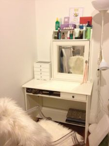 Small Makeup Vanity With Storage