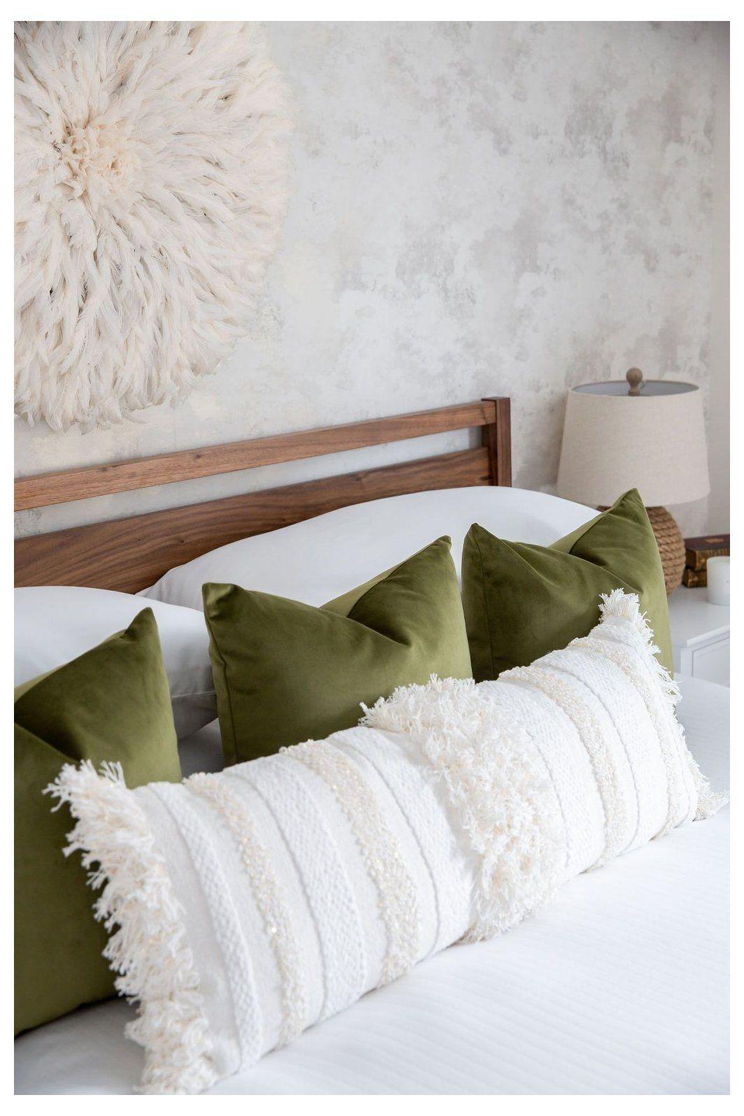 Design Tip Styling Pillows On Beds Design Tip Styling Pillows On Beds My Favourite Stylish No Fuss P In 2020 Bed Pillow Arrangement Bed Pillows Pillow Arrangement