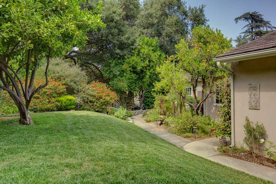 2450 Hermosita Drive, Glendale 91208 | Podley Properties